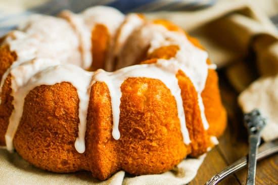 sweet potatoe bundt cake with cream cheese drizzle