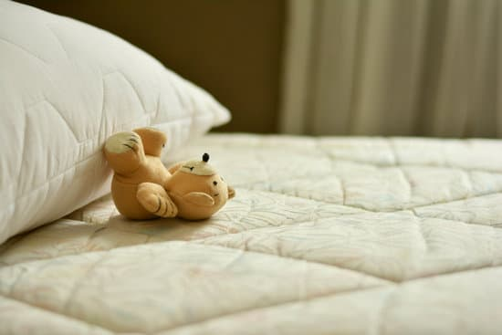 What size mattress best suits your lifestyle? There are various types of mattresses on the market to sift through to determine what you want, but the size of the mattress also matters.