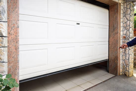 Here are some great ways to upgrade your garage for function and aesthetics: