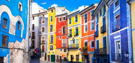 If you plan to move to Spain as a freelancer, you'll want to read about the ins and outs of setting up alone in this beautiful country.