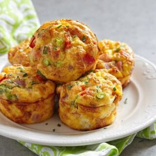 Delicious egg bites with ham, cheese and vegetables