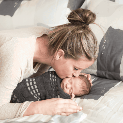 in home nein home newborn session with lifestyle feel with essentials after giving birthwborn session with lifestyle feel