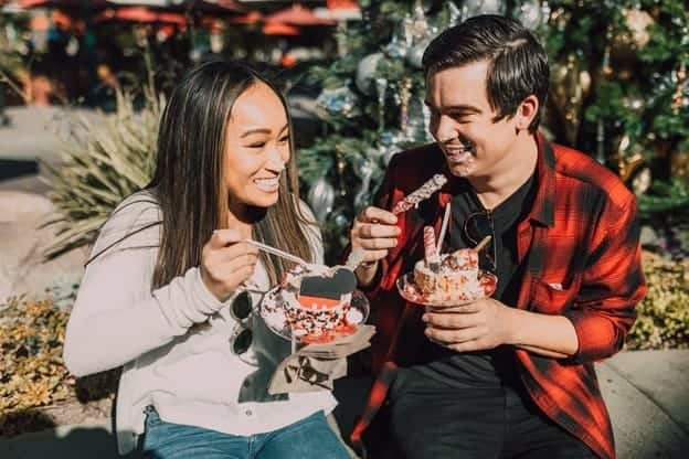 couple eating sweets together