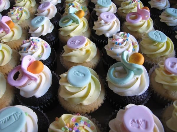 Baby_Shower_Cupcakes_(3385717241)