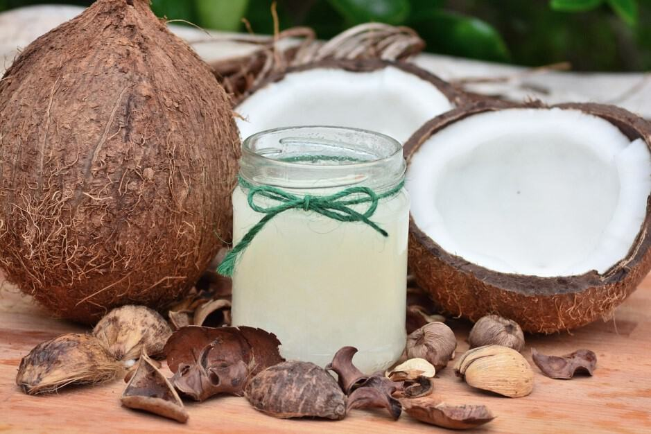The Not-So-Absurd Guide to Using Coconut Oil for Pets