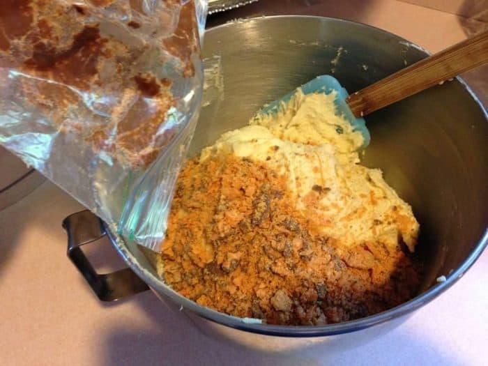 butterfinger cookie bars adding butterfinger bits to batter
