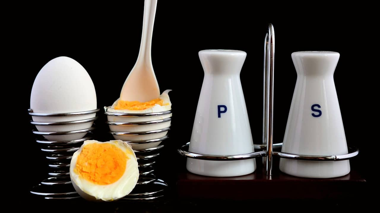 instant pot 5-5-5 hard boiled eggs with salt and pepper shakers