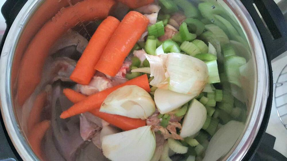 instant pot chicken broth add onion