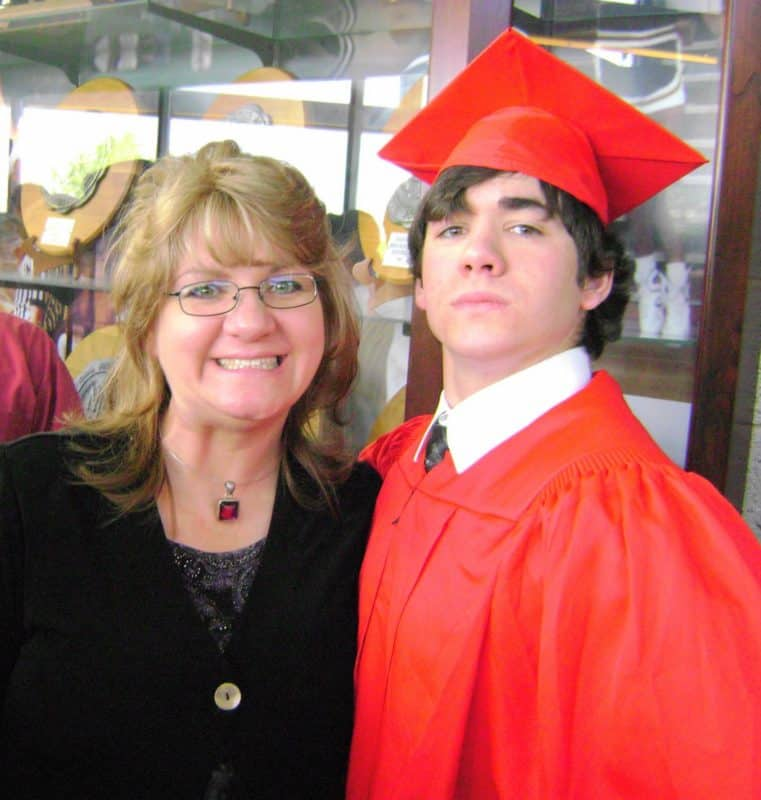 mom with son who is graduating