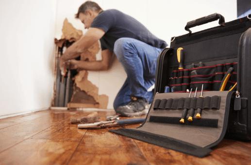 pipe burst repairman