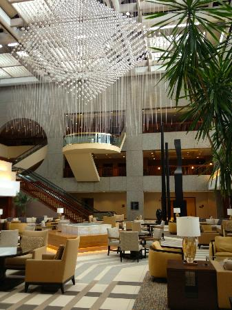the sheraton kansas city lobby